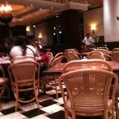 Photo taken at Toks by Rafa R. on 6/28/2012
