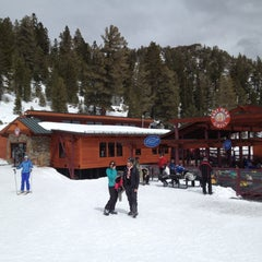 Photo taken at East Peak Lodge by Ian M. on 3/25/2012