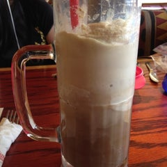 Photo taken at Red Robin Gourmet Burgers by Evan V. on 3/24/2012