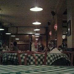 Photo taken at Don Pepitto Pizza & Pasta by Ana Carolina D. on 4/15/2012
