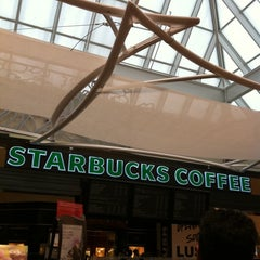 Photo taken at Starbucks by Lucas B. on 6/22/2012
