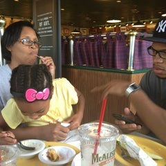 Photo taken at McAlister's Deli by Lativia S. on 8/21/2013
