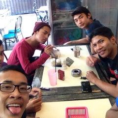 Photo taken at Restoran JS Maju by Aiman D. on 9/12/2014