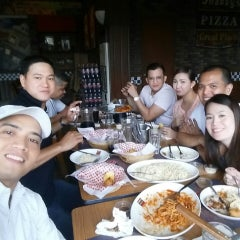 Photo taken at Shakey's by Angelo B. on 3/27/2015