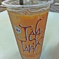 Photo taken at Mr Teh Tarik Eating House by K T. on 3/30/2013