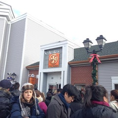 Photo taken at Tory Burch - Outlet by Melissa Teyu L. on 12/26/2013