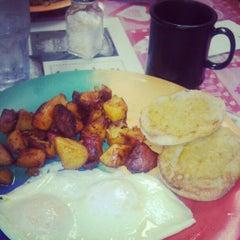 Photo taken at Islamorada Restaurant & Bakery by Sabrina A. on 2/9/2013