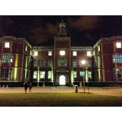 Photo taken at Newcastle University Students' Union by Ian L. on 7/19/2013