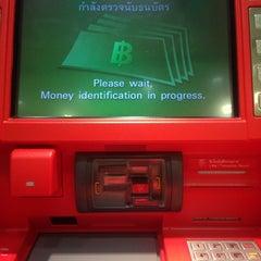 Photo taken at ธนาคารกสิกรไทย (KASIKORNBANK) by Muay on 1/18/2014