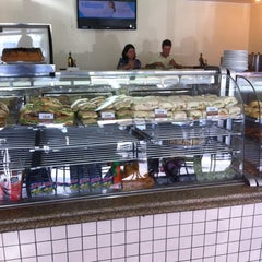 Photo taken at Luzardo Restaurante e Lancheria by Maria D. on 10/12/2013