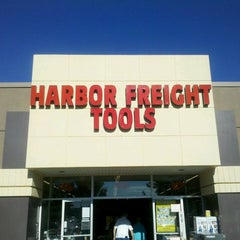 Photo taken at Harbor Freight Tools by Lonny B. on 9/8/2013