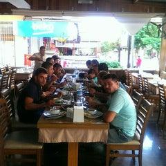Photo taken at Flash Restaurant by Sezai Ç. on 10/3/2015