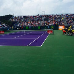 Photo taken at Grandstand Court - Sony Ericsson Open by Fm D. on 3/25/2016