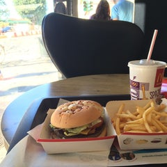 Photo taken at McDonald's by Giacomo G. on 9/22/2014