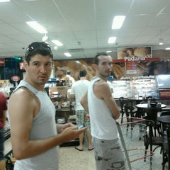 Photo taken at Supermercados Imperatriz by Thiago#Beta on 2/12/2012