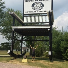 Photo taken at World's Largest Rocking Chair by Erik C. on 8/6/2014