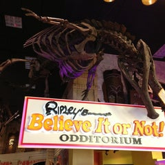 Photo taken at Ripley's Believe It Or Not! Times Square by Júlio R. on 7/24/2013