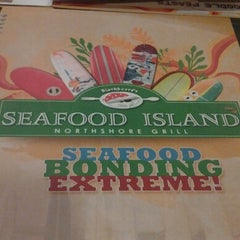 Photo taken at Blackbeard's Seafood Island by appLe d. on 10/20/2012
