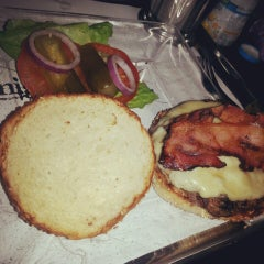 Photo taken at Wolfnights Chef Burger by Hripsymee T. on 7/28/2013