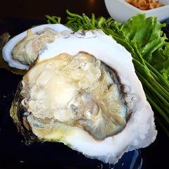 Photo taken at เกียง้วนภัตตาคาร มหาชัยซีฟู๊ด (Kia Nguan Restaurant Mahachai Seafood) by Pattana C. on 2/21/2015