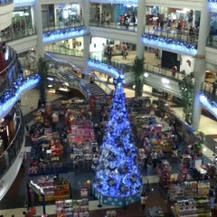 Photo taken at Robinsons Place Manila by Tiff on 1/1/2013