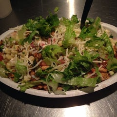 Photo taken at Chipotle Mexican Grill by Derek M. on 10/1/2013