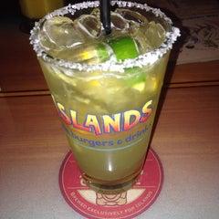 Photo taken at Islands Restaurant by Emanuel S. on 8/18/2013
