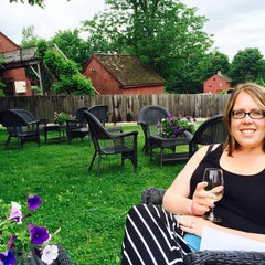 Photo taken at Sharpe Hill Vineyard by Damion G. on 6/14/2014