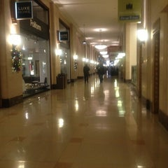 Photo taken at The Merchandise Mart by Kit T. on 11/27/2012