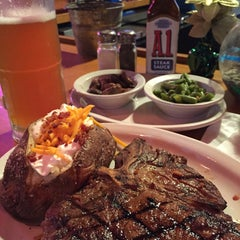 Photo taken at Texas Roadhouse by Kate H. on 12/28/2014