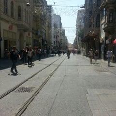 Photo taken at İstiklal Caddesi by Sezgin T. on 7/31/2015