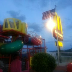 Photo taken at McDonald's by Phantomluvr L. on 9/1/2012