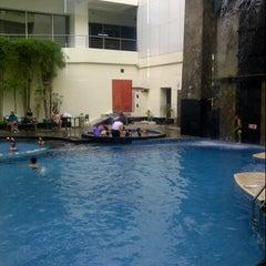 Photo taken at Hotel Menara Bahtera by Rizali r. on 7/30/2014