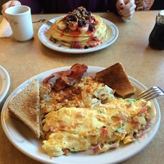 Photo taken at Family Pancake House by Constantinos Z. on 11/14/2014
