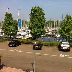 Photo taken at Havencafé Gooimeer by Leo R. on 4/25/2014