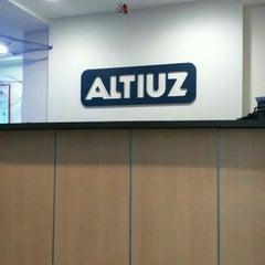 Photo taken at Altiuz - Soluciones Tecnológicas de Negocios Ltda. by Alita C. on 10/29/2015