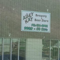 Photo taken at Alley Kat Brewing Company by Mario B. on 8/28/2015