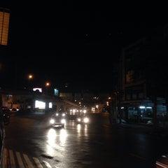 Photo taken at แยกยมราช (Yommarat Intersection) by Suden V. on 6/20/2015