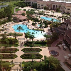 Photo taken at Rosen Shingle Creek Hotel by Leslie S. on 5/26/2013
