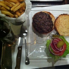 Photo taken at Wolfnights Chef Burger by Amir V. on 4/2/2013