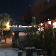 Photo taken at 온누리 장작구이 by ByungKyu S. on 10/4/2014