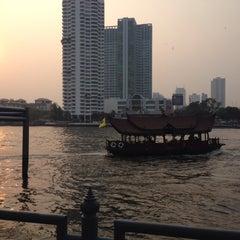 Photo taken at ท่าเรือสะพานตากสิน (Tak Sin Pier) by Atita W. on 1/29/2015