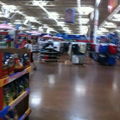 Photo taken at Walmart Supercenter by Salome S. on 4/19/2012