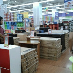 Photo taken at Transmart Carrefour by Cut A. on 10/22/2013