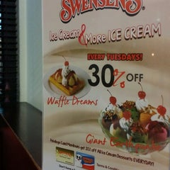 Photo taken at Swensens Cafe & Restaurant by Reedz M. on 9/20/2014