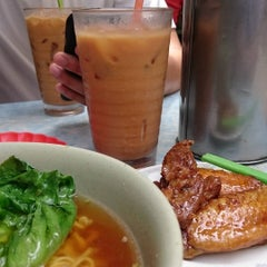 Photo taken at Bing Kee 炳記茶檔 by Stephen C. on 7/4/2015