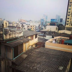 Photo taken at All Seasons Bangkok Siam Hotel by Konstantin B. on 11/30/2014