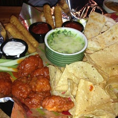 Photo taken at Applebee's by Cindy Y. on 4/16/2013