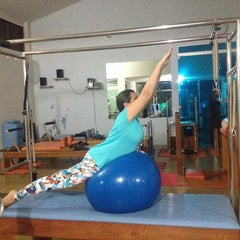 Photo taken at Studio Pilates Geovanna Castelo by Robinson W. on 7/11/2014