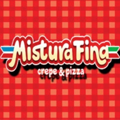 Photo taken at Mistura Fina Pizzas e Crepes by Carina V. on 5/26/2013